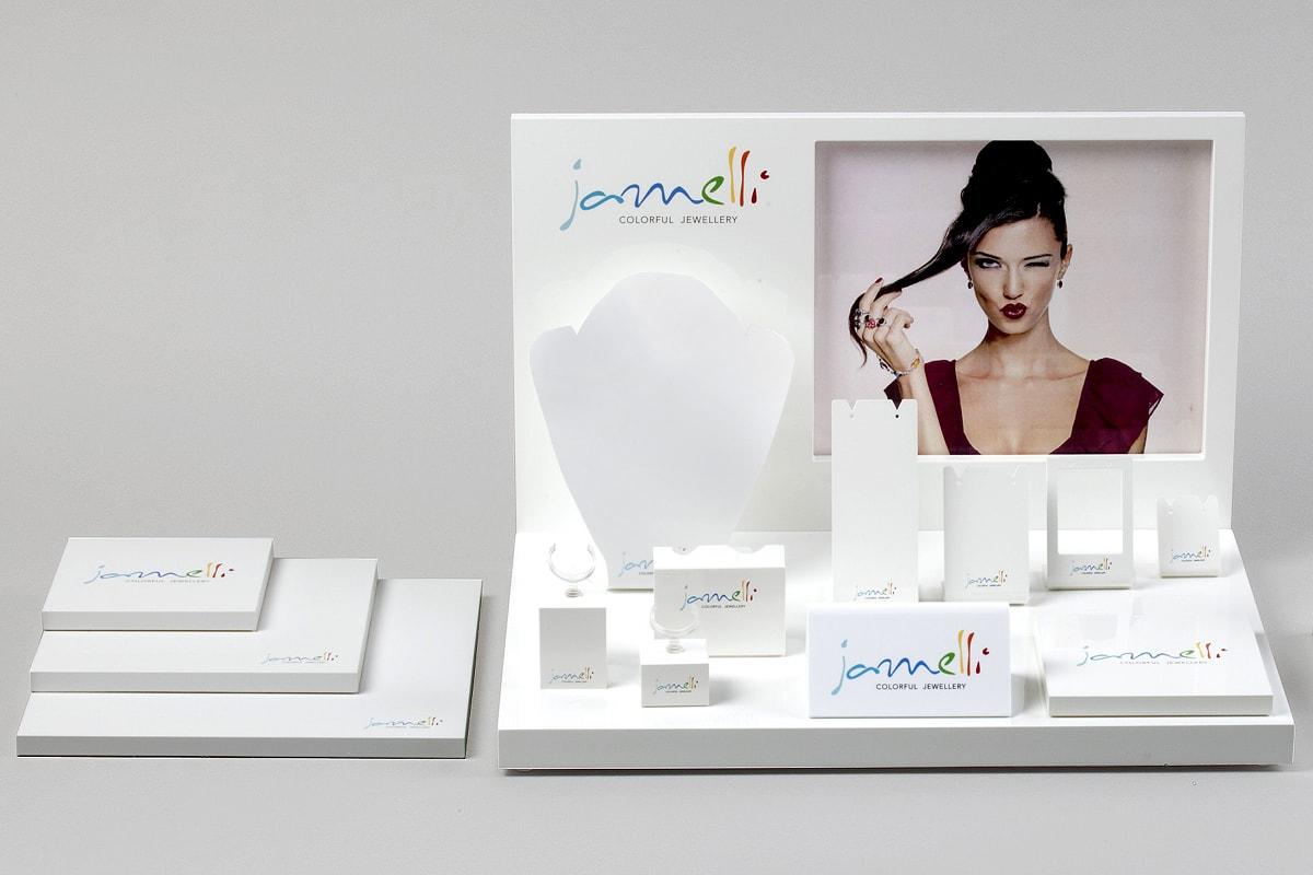 In-Store Produktpräsentation der Schmuckmarke Jamelli